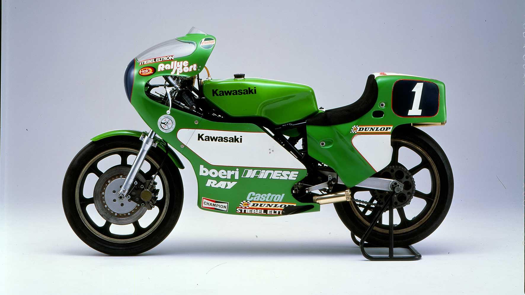 1982k---KR350-Werksrennmaschine-von-Toni-Mang-1981